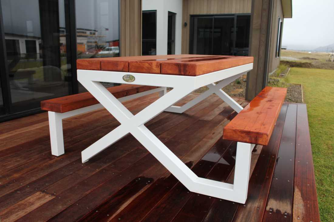 XX Outdoor Table